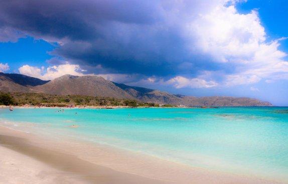 5 лучших пляжей Испании для весёлых майских каникул
